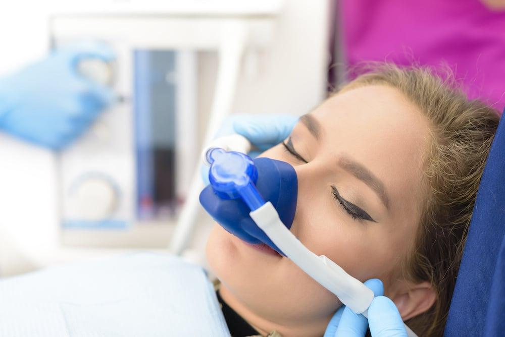 Lachgasbehandlung fuer Angstpatienten Zahnarzt Hannover