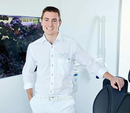 Zahnarzt-Dr-Robert-Falck